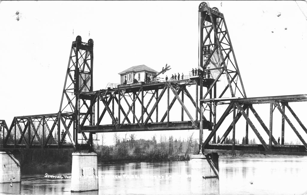 Einen Studiengang zu konzipieren, erscheint manchmal recht komplex. Aber vom Vergleich zu anderen Leistungen, vermutlich ein Klacks. Hier: Eine Eisenbahnbrücke in Oregon (flickr, The Commons)