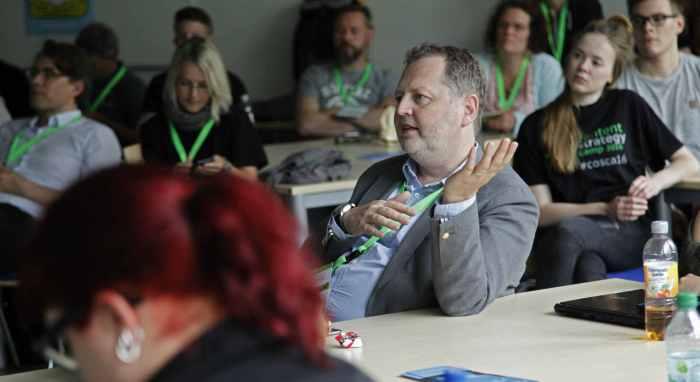 Barcamps sind ein Beispiel, wie man in einer Community informell lernen kann.